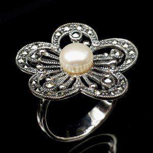 Importación de anillo de plata con Marquesitas. Joya con aspecto de envejecido.